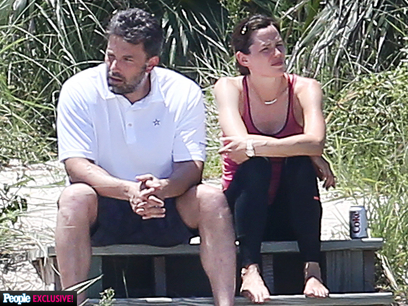 WORLD EXCLUSIVE: Ben Affleck and Jennifer Garner's Emotional Post-Split Vacation| Breakups, Couples, Ben Affleck, Jennifer Garner