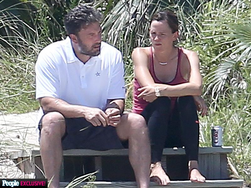 WORLD EXCLUSIVE: Ben Affleck and Jennifer Garner's Emotional Post-Split Vacation| Breakups, Couples, Ben Affleck, Jennifer Garner