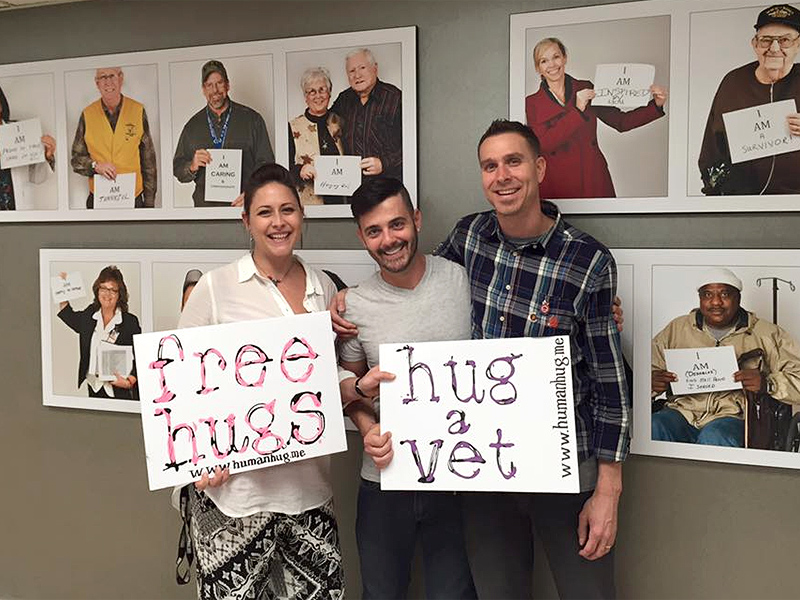 Marine Ian Michael Travels Across the Country Giving Out Free Hugs to Veterans