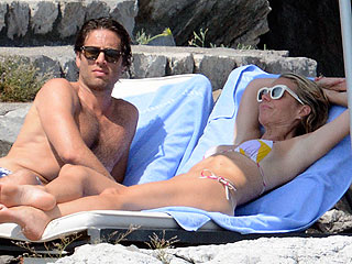 La Dolce Vita! Gwyneth Paltrow and Boyfriend Brad Falchuk Soak Up the Sun in Positano, Italy