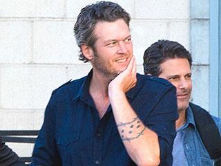 Blake Shelton Steps Out Minus Wedding Ring in First Public Sighting Since Divorce from Miranda Lambert (PHOTO)