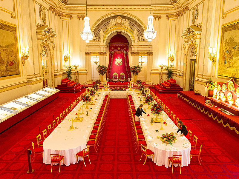 Can You Guess the Coldest Room in Buckingham Palace? What PEOPLE Learned Behind the Scenes at the Palace's Summer Opening (Pssst: The Queen Has a Secret Door!)| The British Royals, The Royals, Queen Elizabeth II