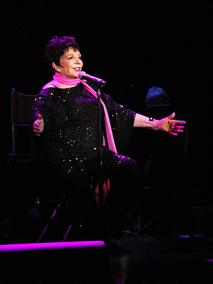 Liza Minnelli Gives Her First Post-Rehab and Post-Surgery Concert| Rehab, Music News, Liza Minnelli