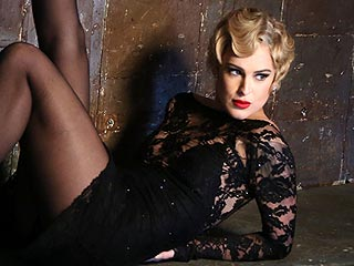 See a Blond Rumer Willis Sizzle in First Photo as Roxie Hart for Chicago