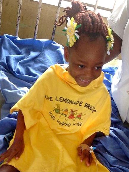 Illinois Girls' Lemonade Stand Raises Over $37,000 to Help Kids in Need| Heroes Among Us, Good Deeds, Real People Stories, Real Heroes