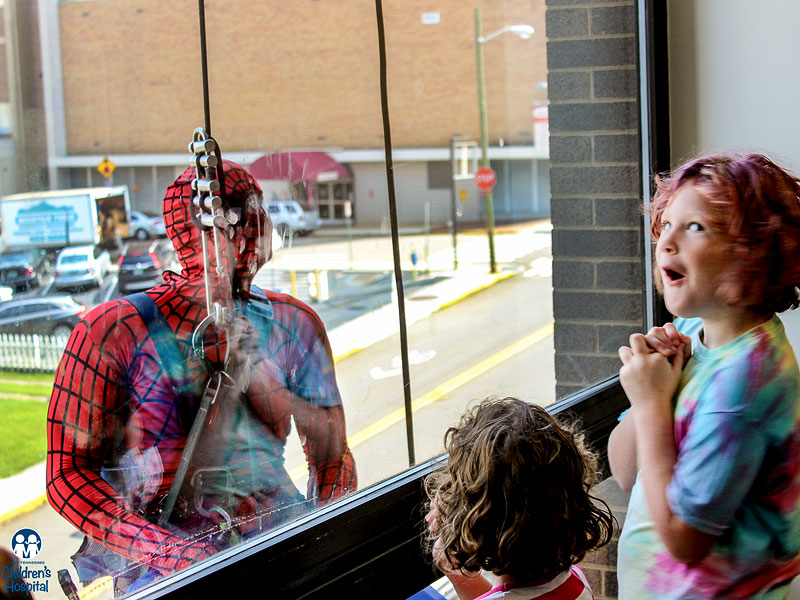 Superhero Window Washers Surprise Sick Children at Hospital| Sickness & Injury, Cancer, Good Deeds, Real People Stories