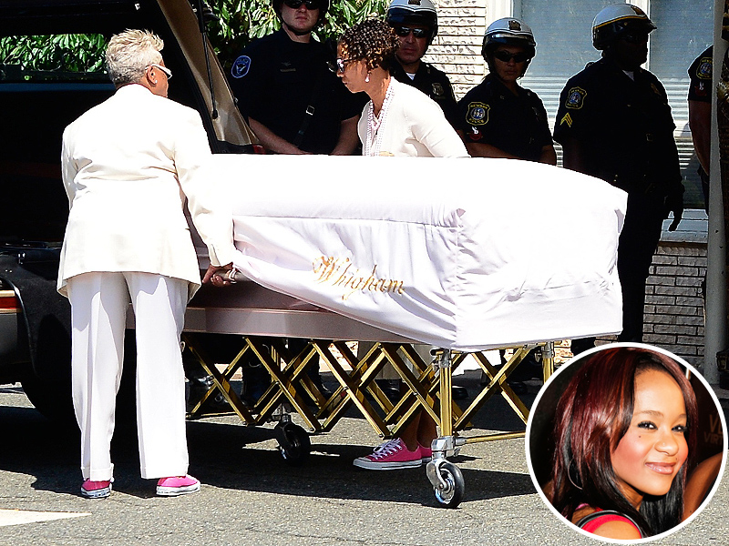 Bobbi Kristina Dead: Security Guards Had to Keep Mourners Apart at Burial
