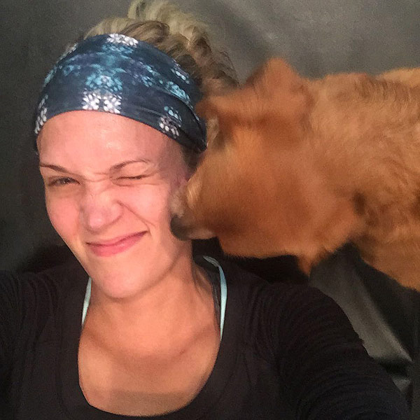 Carrie Underwood Posts No Makeup Selfie: 'I'm a Sweaty Mess!'