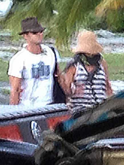 Jennifer Aniston and Justin Theroux Arrive in Bora Bora for Their Exotic Honeymoon (with Some Famous Friends in Tow!)| Couples, Weddings, Honeymoon, Celebrity Weddings, Jennifer Aniston, Justin Theroux