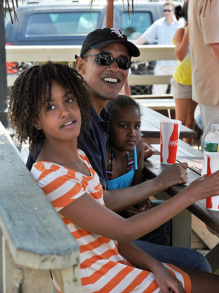 Inside the Obamas' Martha's Vineyard Vacation Homes| politics, Politics, Barack Obama, Malia Obama, Michelle Obama, Sasha Obama
