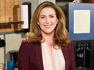 Mr. Robinson's Peri Gilpin Talks Playing a Groupie–Turned–Principal and Shares a Full-Circle Frasier Moment from Set