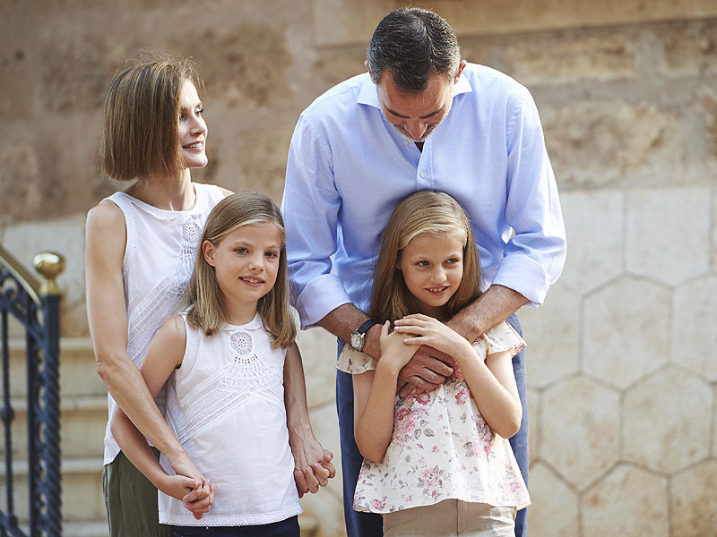 Queen Letizia Looks Casual in Khakis with Her Little Princesses for Spanish Royal Family Photo Shoot| The Royals, Princess Letizia