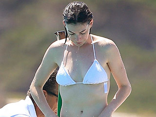 Stunning While Sunning: Anne Hathaway Rocks a String Bikini on Valentino's Yacht (PHOTOS)
