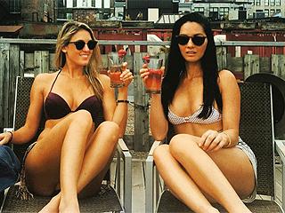 Olivia Munn Flaunts Fit Bikini Body While Sunbathing on Rooftop in Montreal (PHOTO)