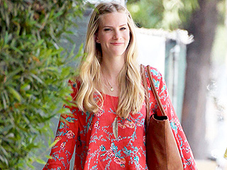 Stylish Heather Morris Steps Out After Announcing She's Expecting Baby Number 2
