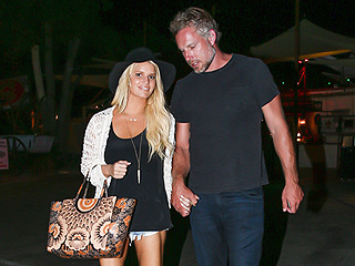 PHOTO: Jessica Simpson Is Back in Her Daisy Dukes!