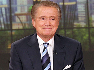 Regis Philbin Shares Memories of Frank Gifford's Happy Last Days: 'He Looked So Strong'