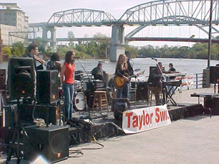 This Is What Taylor Swift's Concerts Were Like Before She Started Selling Out Stadiums
