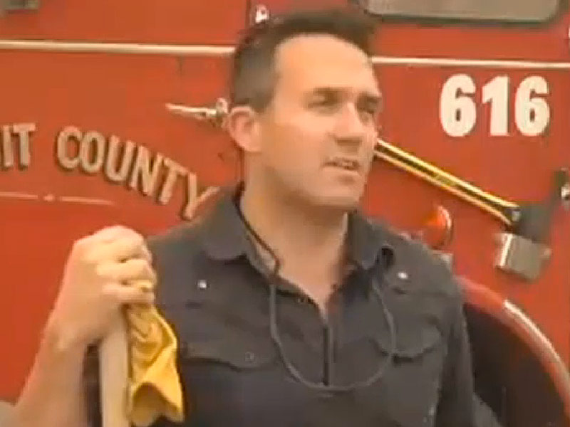 Washington Man Buys His Own Fire Truck to Fight Massive Wildfires: 'We Are in a Complete Disaster Zone'| News, Good Deeds, Real People Stories, Real Heroes
