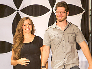Jessa (Duggar) Seewald Publicly Turns Her Back on Brother Josh Duggar