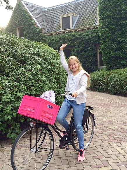 See Dutch Princess Catharina Amalia Bike To Her First Day