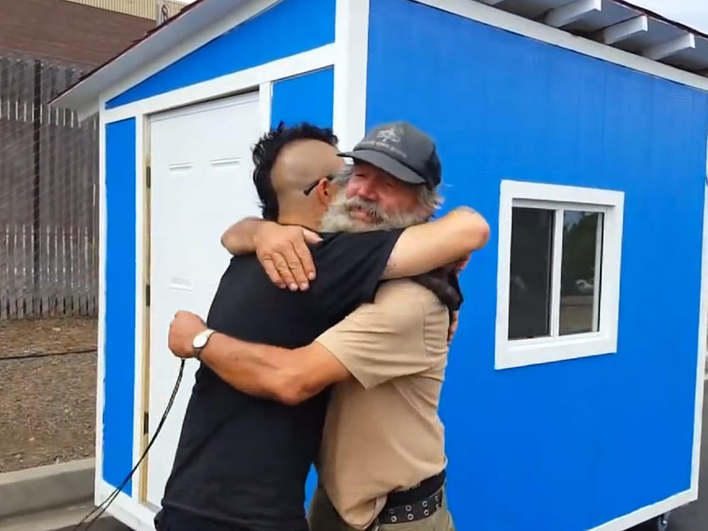 L.A. Orders Removal of Tiny Houses Built for the Homeless – 'Their Hearts Are Broken'| Good Deeds, Real People Stories
