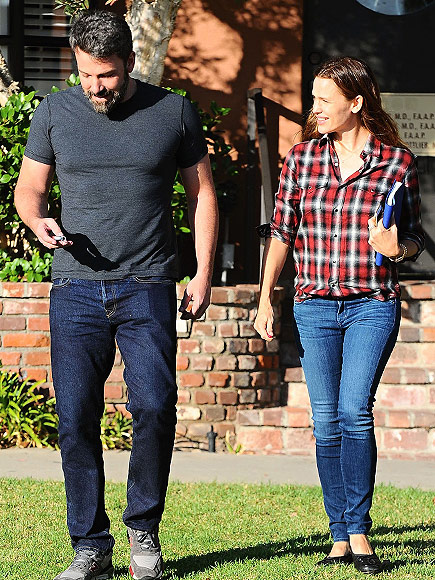 VIDEO: Ben Affleck and Jennifer Garner Return to Marriage Counseling as They're Spotted Out Together| Breakups, Ben Affleck, Jennifer Garner