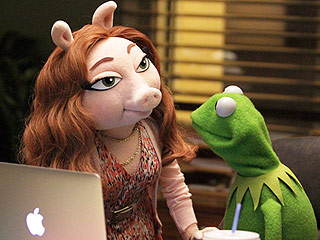PHOTOS! The Muppets' Kermit the Frog Photographed with New Girlfriend After Split from Miss Piggy
