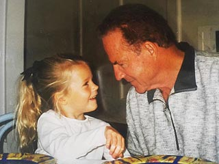Cassidy Gifford Posts Touching Tribute 1 Month After Father Frank Gifford's Death
