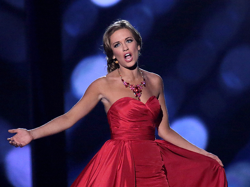 Miss America Betty Cantrell Says Tom Brady Should Be ...