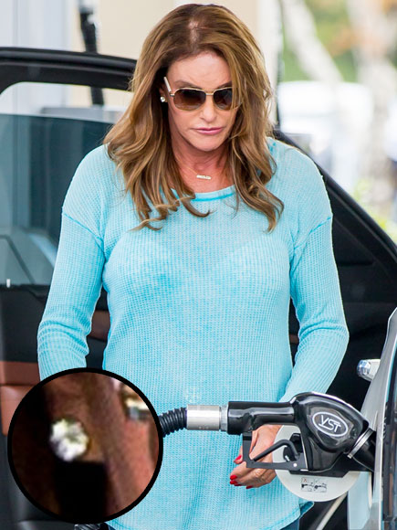 Caitlyn Jenner Steps Out Wearing Diamond Earrings After Filing for Legal Name and Gender Change| TV News, Caitlyn Jenner