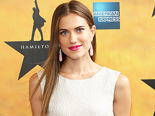 Allison Williams Reveals Another Stunning Picture of Her Oscar de la Renta Wedding Gown
