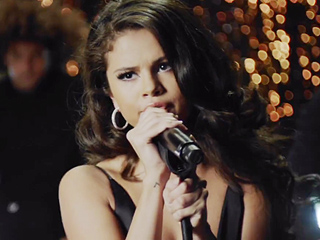 Selena Gomez Releases Sexy New Music Video for 'Same Old Love'