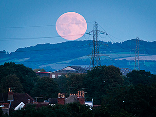 Check out These Incredible Photos of Last Night's Super Blood Moon