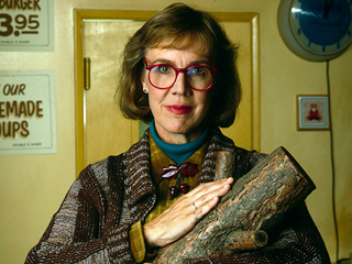 Twin Peaks 'Log Lady' Star Catherine Coulson Dies Aged 71