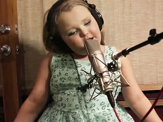 VIDEO: Honey Boo Boo Releases a Music Video for Her New Song 'Movin' Up' – Yes, Really!