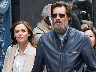 Jim Carrey Shares Moving Tribute to Late Girlfriend After She's Laid to Rest: 'Love Cannot Be Lost'