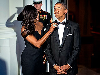 Suit & Tie! Michelle Obama Sweetly Fixes Barack's Bow Tie During Chinese State Dinner