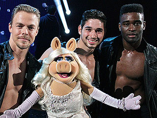 FIRST LOOK: Miss Piggy Cozies Up to the Men of Dancing with the Stars