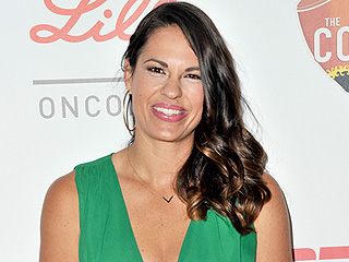 Jessica Mendoza, First Woman to Call a Nationally Televised MLB Playoff Game, Speaks Out About Sexist Backlash