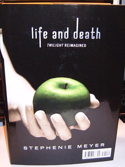 A Twihard's Dream! New Twilight Novel Features Gender-Swapped Tale of Beau and Edyth| News, The Twilight Saga, Books, Movie News, Kristen Stewart, Robert Pattinson, Stephenie Meyer