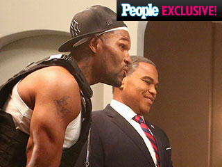 FIRST LOOK: Michael Strahan Visits Black-ish for Halloween, and He's Dressed As ...