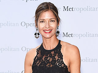 Singer-Actress Jill Hennessy Talks Working With 'Smoking-Hot' Téa Leoni On Madam Secretary – and Testing Out New Music on Her Children