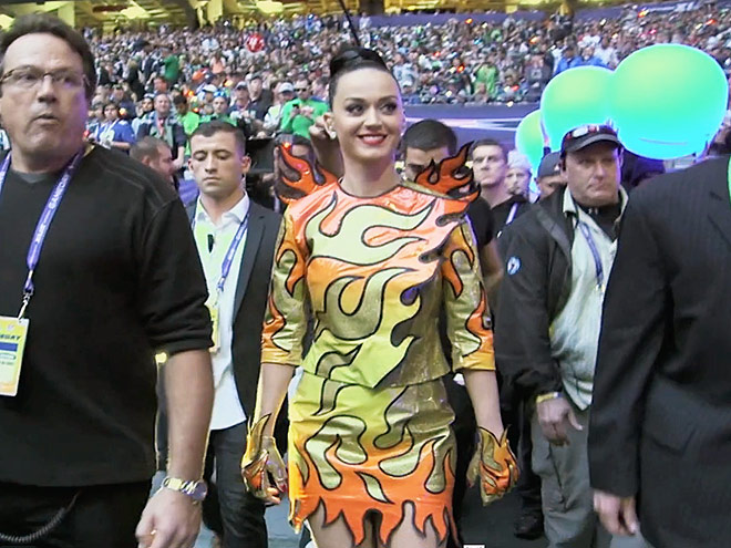 VIDEO: Watch Katy Perry Prep Her Iconic Super Bowl Performance Backstage| Super Bowl, Katy Perry, Lenny Kravitz, Missy Elliott