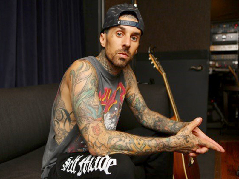 http://img2.timeinc.net/people/i/2015/news/151102/travis-barker-1-800.jpg
