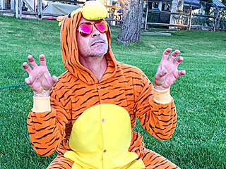 Robert Downey Jr. Dons Tigger Costume to Cheer Up Sick Fan – and Invites Him to Captain America: Civil War Premiere