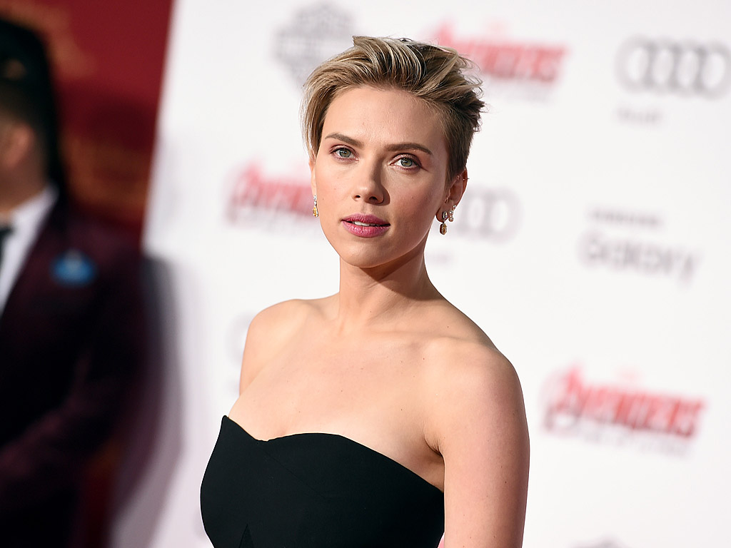 Scarlett Johansson Proves Bible Verses Can Be Sexy : People.com Scarlett Johansson