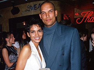 Halle Berry's Ex-Husband David Justice Thanks Her on Twitter While Defending Himself: 'Don't Say That I Hit Halle'