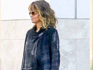 Halle Berry Steps Out Without a Ring for the First Time Since Divorce News