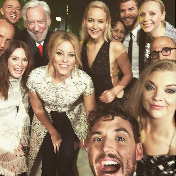Jennifer Lawrence and Hunger Games Cast Pose for Selfie ...